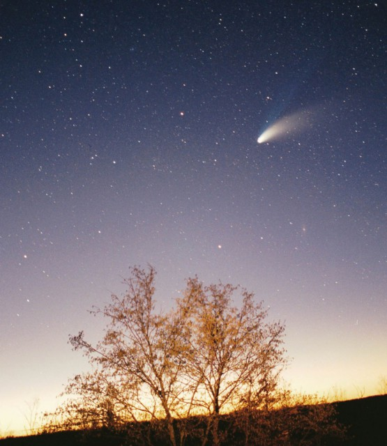 комета Хейла-Бопп